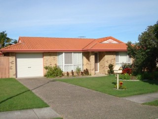 View profile: Neat & Tidy Home With Air Conditioning - Wynnum West